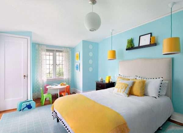 Спальня в желто-голубых тонах