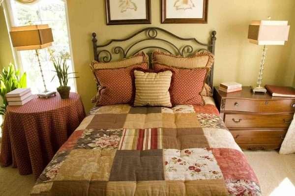 Покрывала пэчворк для спальни в стиле прованс