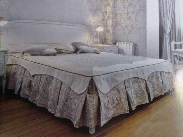 покрывало на кровать в классическую спальню