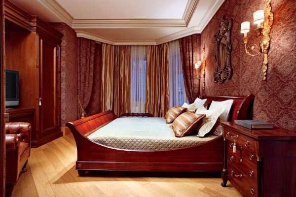 Текстильные обои в оформлении спальни