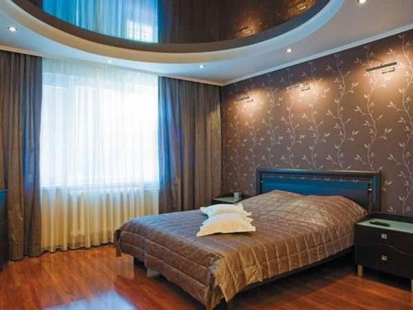 Зеркальный потолок в спальне 12 м