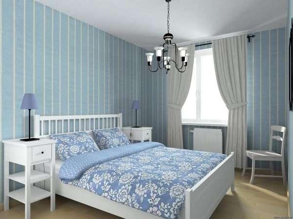 Полосатые обои для маленькой спальни