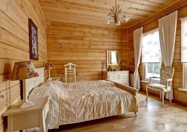 Интерьер спальни на даче