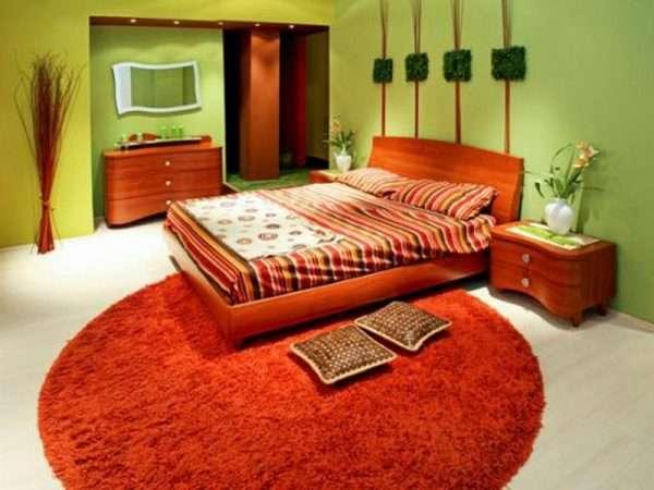 Интерьеры спален яркого цвета