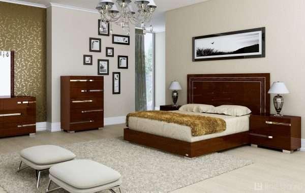 Просторная спальня в современном стиле