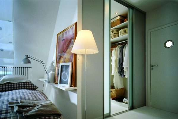 Раздвижные двери в гардеробной