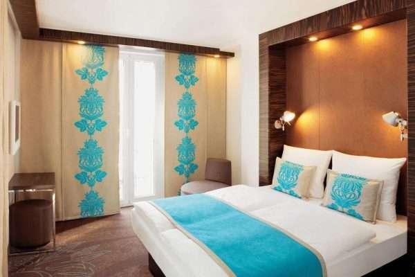 Яркие японские шторы в спальню