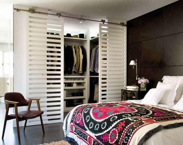 Дизайн гардеробной в спальне