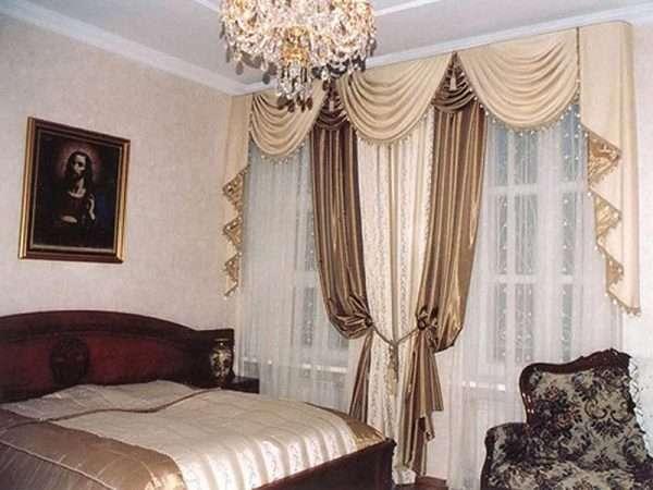 Шторы в спальню на два окна