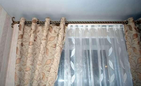Интерьер штор на люверсах в спальню