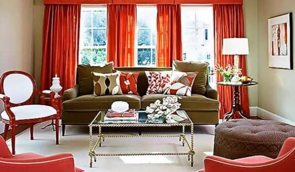 тёмно красные шторы в гостиной кллассика