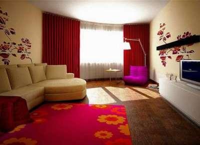 бордовые шторы в бежевой гостиной