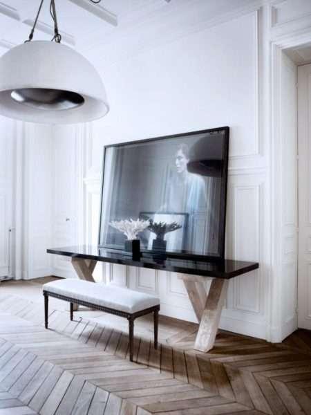 освещение в интерьере черно-белой гостиной