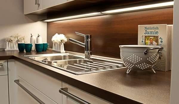 рабочая зона кухни гостиной 13 кв.м