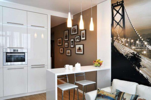белая мебель в интерьере кухни гостиной 13 кв. м
