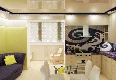 интерьер кухни гостиной 13 кв. м с фиолетовым диваном