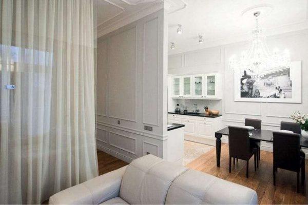 перегородка из шторы в интерьере кухни гостиной 17 кв. м