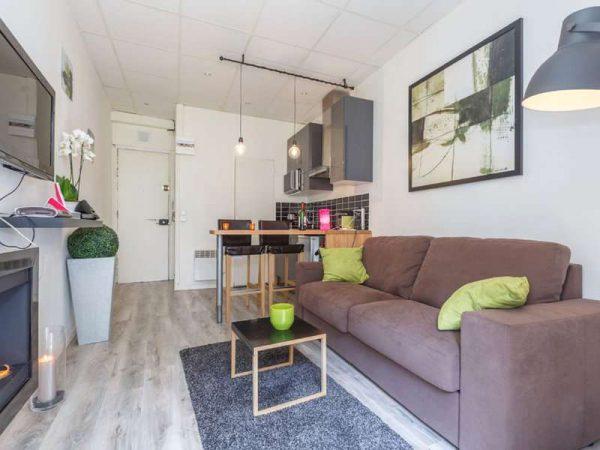 зонирование кухни-гостиной мебелью