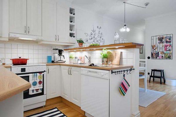 двухъярустная барная стойка в интерьере кухни-гостиной