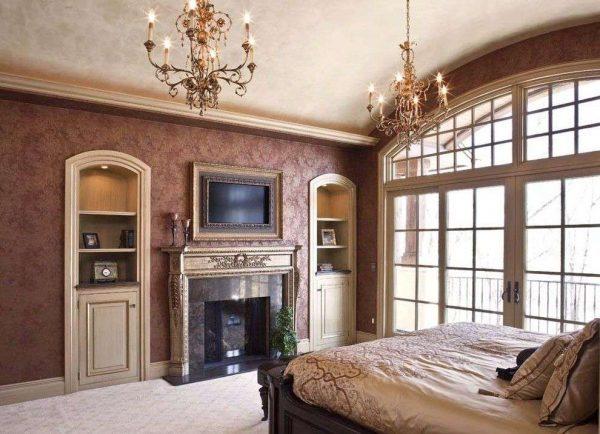 телевизор в гостиной в классическом стиле