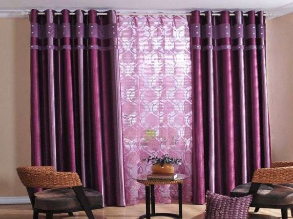 фиолетовые шторы и тюль в гостиной