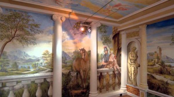 Фреска в интерьере гостиной на эластичной штукатурке