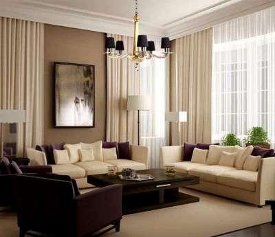 гостиная с двумя окнами оформленная в пастельных тонах