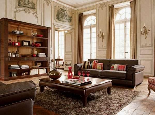 классический интерьер гостиной с двумя окнами