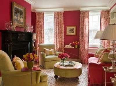 гостиная 16 кв. метров с яркими цветами