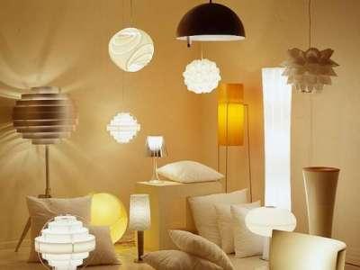 светильники для гостиной: торшеры, бра, люстры