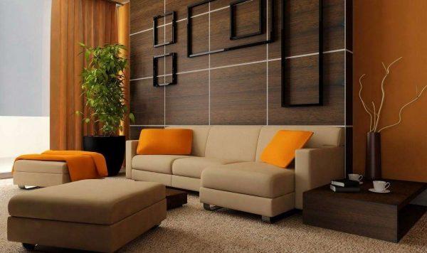 Интерьер гостиной просто и со вкусом с жёлтыми подушками