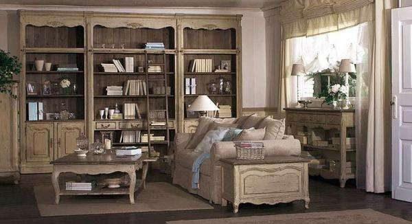 Интерьер гостиной в стиле прованс со шкафом и столом