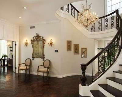роскошная лестница в стиле барокко