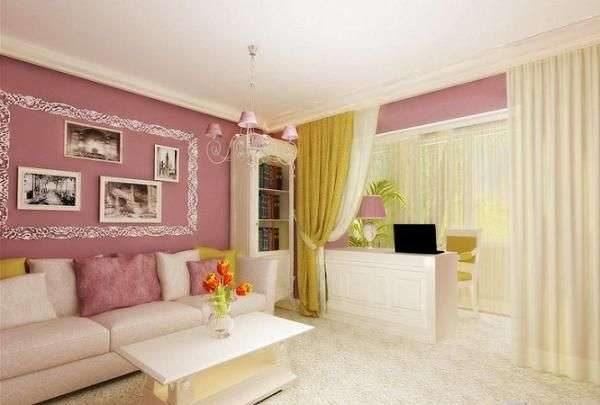 спальня на балконе объединёной с гостиной