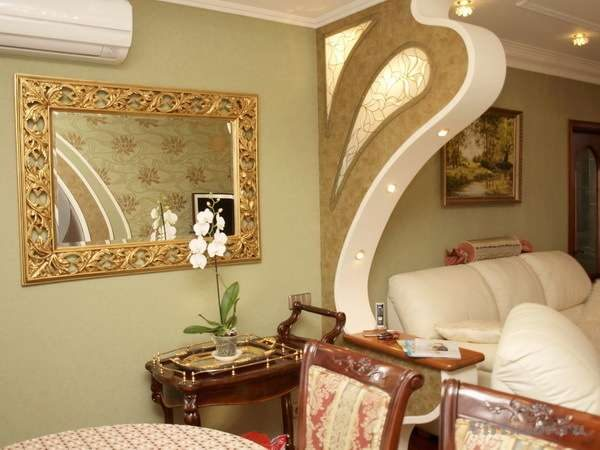 декор в интерьере гостиной в стиле модерн
