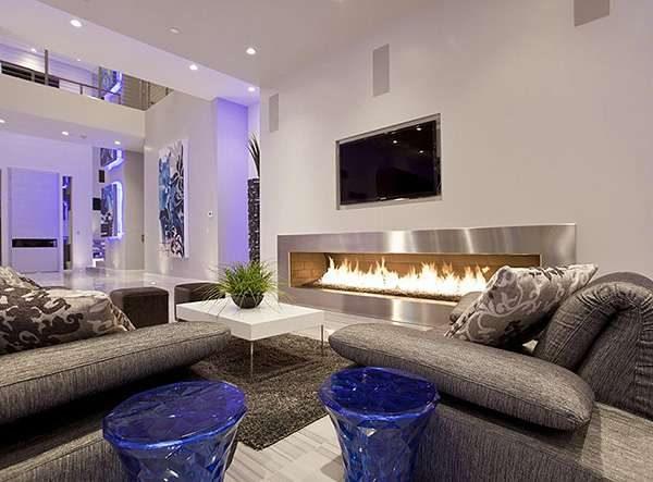 стильные стулья в интерьере гостиной в стиле модерн