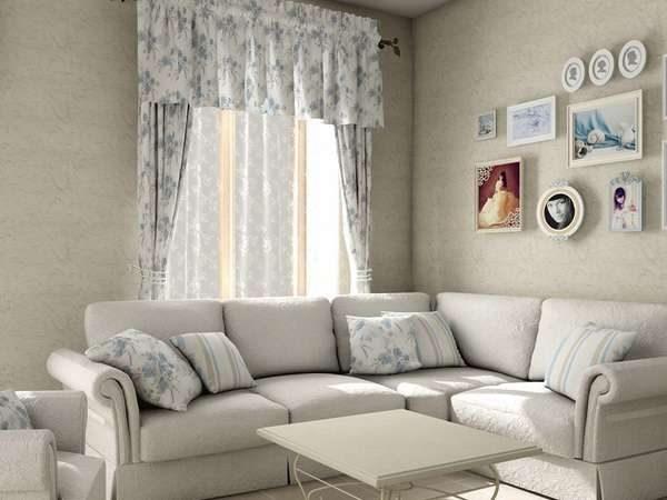 угловой диван в интерьере светлой гостиной в стиле прованс