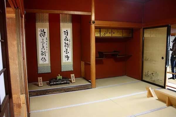 ниши в интерьере гостиной в японском стиле