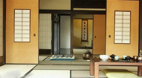 песочный цвет в интерьере гостиной в японском стиле