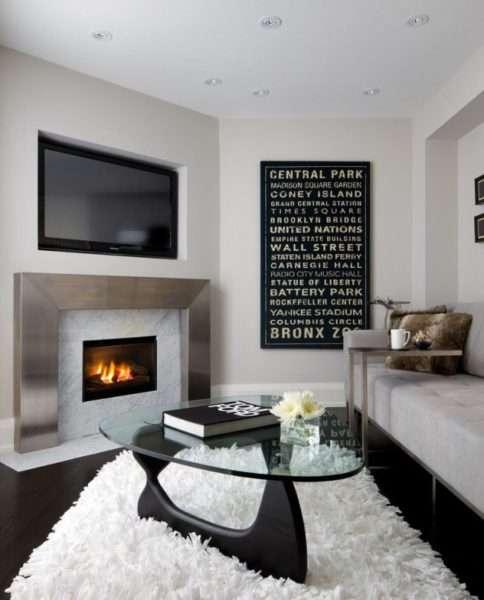 сочетание белого и чёрного в интерьере гостиной 18 кв.м в хрущёвке