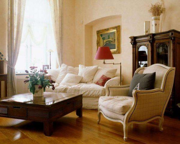 классический стиль в интерьере гостиной 18 кв.м в хрущёвке