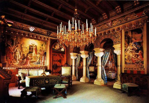 романский стиль в интерьере гостиной
