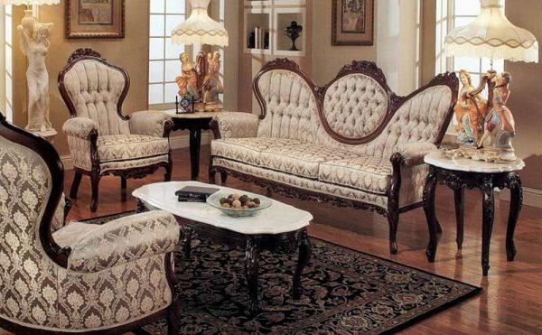 викторианская классика в интерьере гостиной