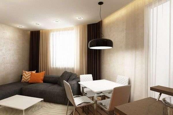 коричневые шторы с прозрачными занавесками в интерьере гостиной