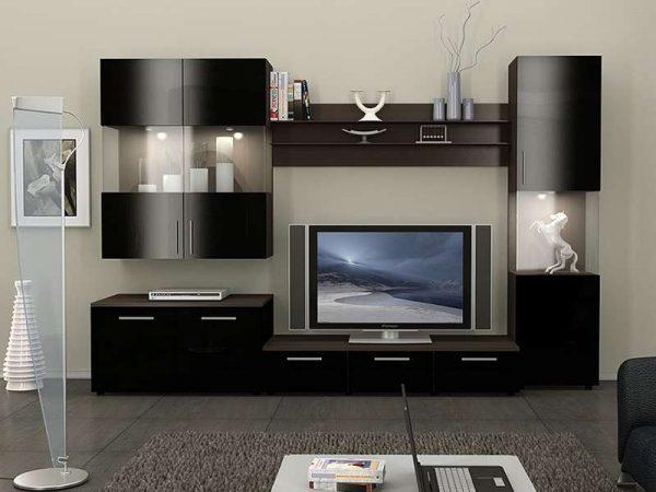 Корпусная мебель тёмного цвета в интерьере гостиной