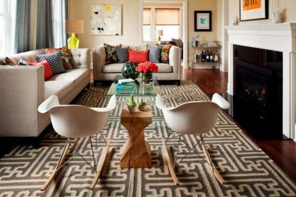 большой прямоугольный ковёр в гостиной