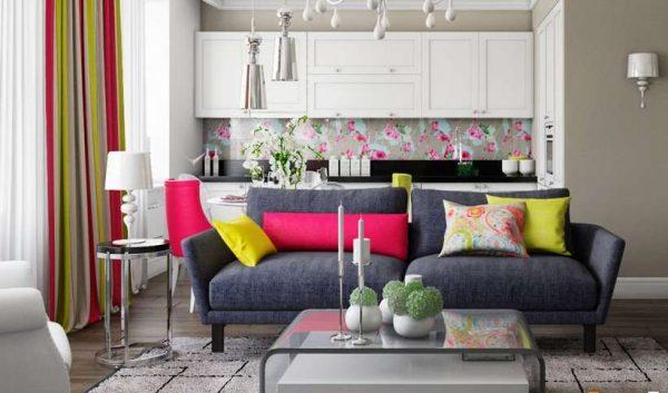 яркие цвета в интерьере кухни гостиной 15 кв. м