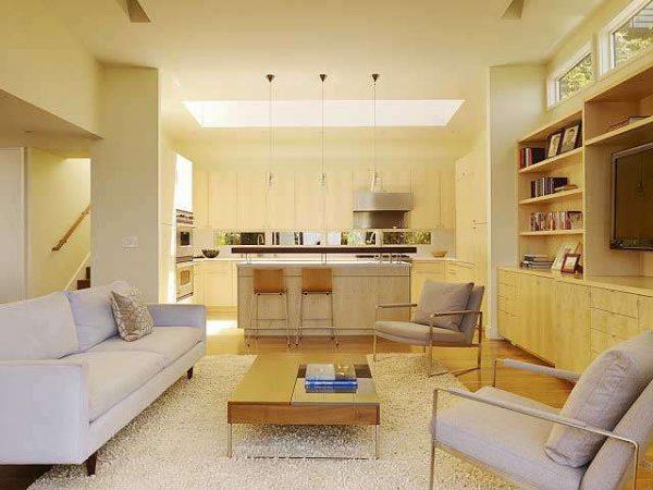 светлый интерьер кухни гостиной 15 кв.м