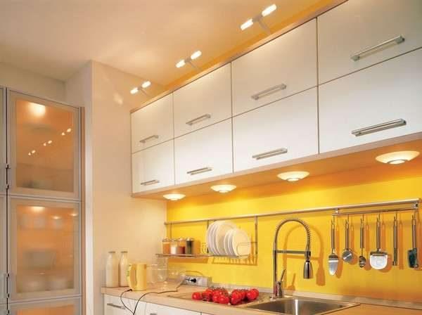 освещение на кухне гостиной