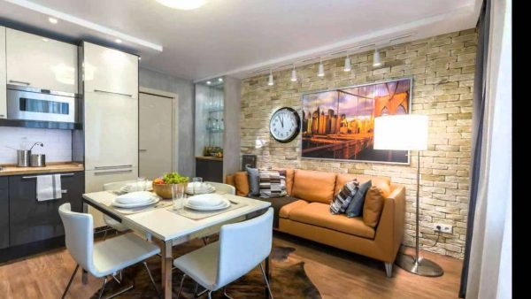 Совмещённая просторная кухня-гостиная
